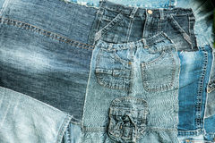 Beaucoup de restes des vieux jeans trousers_1 Photo stock