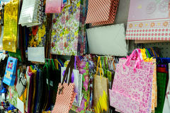 Beaucoup de sacs colorés de cadeau Photo libre de droits