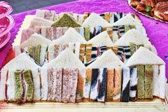 Beaucoup de sandwichs italiens typiques pour une partie savoureuse Images libres de droits