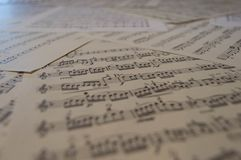 Beaucoup de scores de musique photographie stock libre de droits