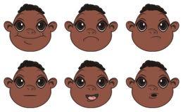 Beaucoup de visages des bébés garçon de nègre avec différentes émotions illustration de vecteur