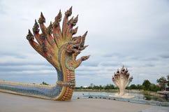 Beaucoup ont dirigé la statue de serpent Photographie stock
