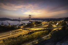 Beauitfulmening van Tsing Ma Bridge in zonsondergang royalty-vrije stock foto