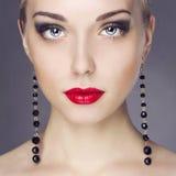 Beauitiful ung kvinna Fotografering för Bildbyråer