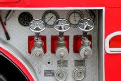 Beaulieu, Hampshire, UK - Maj 29 2017: Pożarniczego węża elastycznego włączniki i zdjęcia royalty free