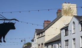 Beaumaris, Gales - telhados e céus fotografia de stock