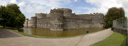 Beaumaris-Schloss-Panorama stockbilder