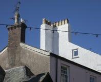 Beaumaris, Wales - huis, schoorsteen en een zeemeeuw stock afbeelding