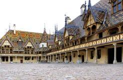 Beaune, hotel-dieu De Lyon, França, hospital, exterior de construção Imagens de Stock