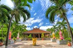 Beauté architecturale du temple antique dans la campagne Images stock