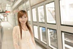 Beauté asiatique dans le MRT Image libre de droits