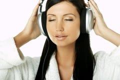 Beauté avec des écouteurs Images libres de droits