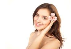 Beauté, belle fille avec la fleur Image libre de droits