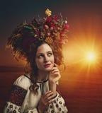 Beauté d'Ethno Belle jeune femme photographie stock
