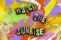 Beaut? de calme d'appr?ciation de nature de coucher du soleil de lever de soleil de montre croire images libres de droits