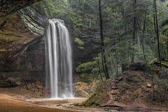 Beauté de collines de Hocking - Ash Cave Falls, Ohio photo libre de droits