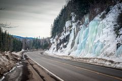 Beauté de glace à la route de Yellowhead Photo stock