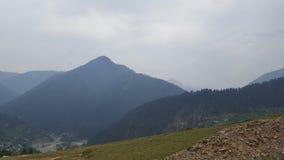 Beauté de montagnes de Neelum Photographie stock libre de droits
