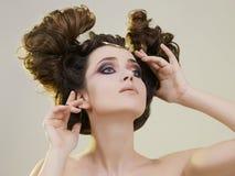 Beauté, femme avec le maquillage et coiffure images stock