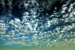 Beauté incroyable des nuages Photos stock