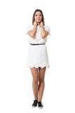 Beauté sensible de jeune femme dans la robe de dentelle avec des mains sur le cou regardant l'appareil-photo Photo libre de droits