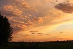 Beauté subtile de coucher du soleil de Saskatchewan de couleur photo libre de droits