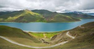 Beauté vers le lac de suffocation de moutons Images libres de droits