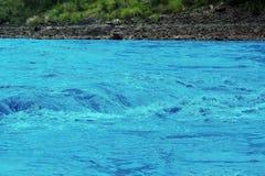 Beautif Neelam River entrant dans Murree Images stock