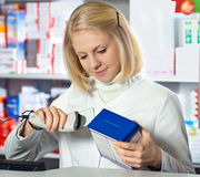 Beautifil pharmacist Royalty Free Stock Photography