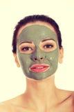 Beautifu toplesslkvinna med den ansikts- maskeringen Royaltyfri Foto