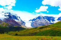 BEAUTIFUL ALBERTA SCENE. A BEAUTIFUL MOUNTAIN SCENE IN GLACIER PARK ALBERTA stock image