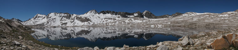 Beautiful alpine lake in the sierra nevadas Royalty Free Stock Images