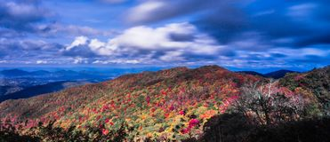 Free Beautiful Autumn Landscape In North Carolina Mountains Royalty Free Stock Photography - 105550717