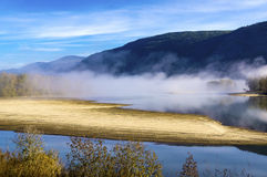 Beautiful autumn morning at the Thompson river, British Columbia, Canada Royalty Free Stock Photos