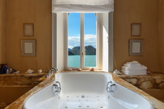Beautiful bathroom with jacuzzi Royalty Free Stock Photos