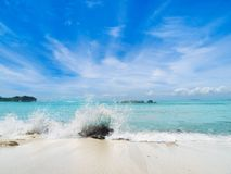 Beautiful beach and splashing wave Royalty Free Stock Photos