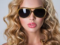 Free Beautiful Blonde Woman With Long Wavy Hair Royalty Free Stock Images - 114233939