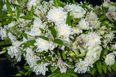 Bouquet of white chrysanthemums for wedding car decoration. Beautiful bouquet of white chrysanthemums for wedding car decoration Royalty Free Stock Photos
