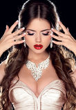 Beautiful Bride. Fashion Beautiful Girl Model with Jewelry isola Royalty Free Stock Image