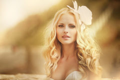 Beautiful bride. Posing in her wedding day Royalty Free Stock Images