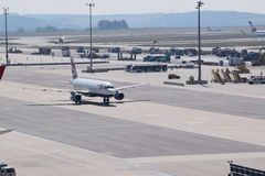 Beautiful British Airways A320 taxiing to gate at Vienna Airport Stock Photos