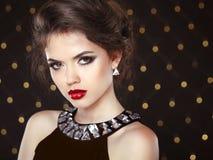 beautiful brunette woman young Πρότυπο κοριτσιών μόδας άνω του λι bokeh Στοκ εικόνες με δικαίωμα ελεύθερης χρήσης