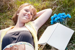 Beautiful Caucasian woman relaxing outdoor Royalty Free Stock Photos