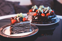 Beautiful chocolate cake with fresh berry Royalty Free Stock Photos
