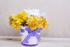 Beautiful   chrysanthemums flowers in small decorative vase Stock Photography