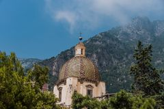 Free Beautiful Church Dome With Background Of Monte San Michele Royalty Free Stock Photos - 166434638