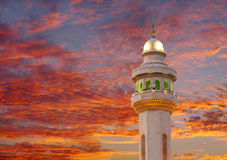 Beautiful cloud and Al Fateh Mosque Minaret at sunset Royalty Free Stock Photography