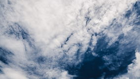 Beautiful cloudscape with large, building clouds Royalty Free Stock Photos