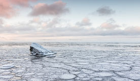 Beautiful cold winter day next to freezing lake Stock Photography