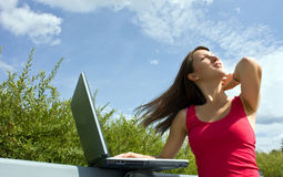 Beautiful college student working on her laptop Royalty Free Stock Photography